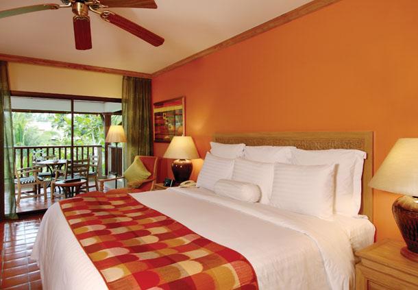 Marriotts Phuket Beach Club 2